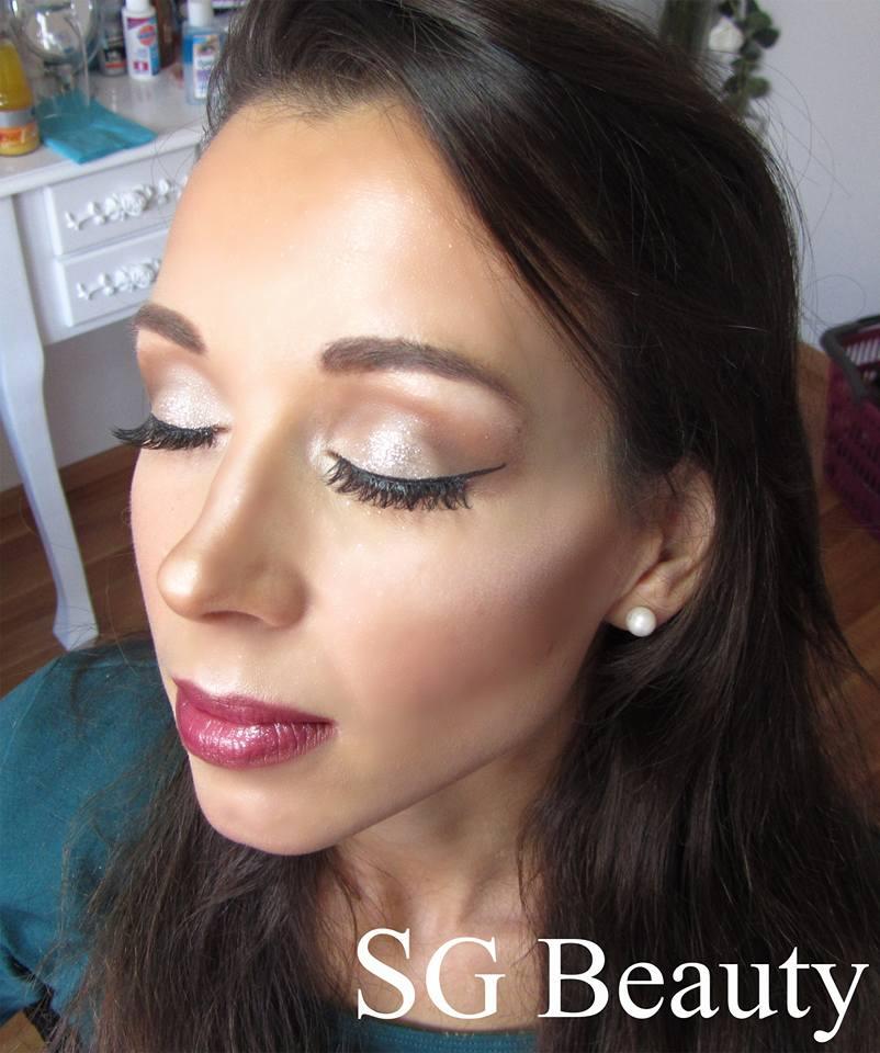 Make-up von der erfahrenden Visagistin, Bei SG Beauty bekommst du ein rundum sorglos Paket! Jetzt gleich einen Termin vereinbaren.